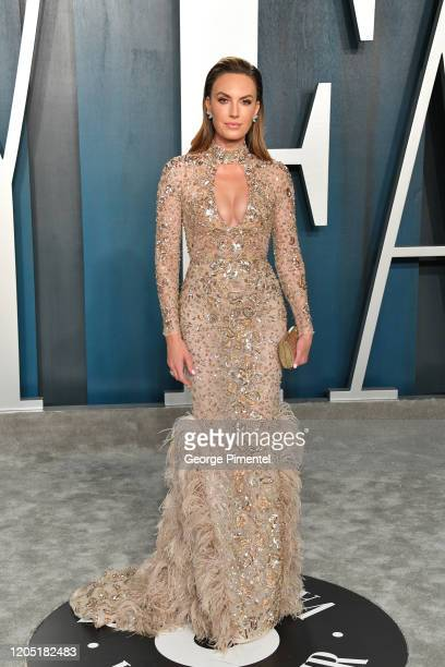 Elizabeth Chambers attends the 2020 Vanity Fair Oscar party hosted by Radhika Jones at Wallis Annenberg Center for the Performing Arts on February 09...