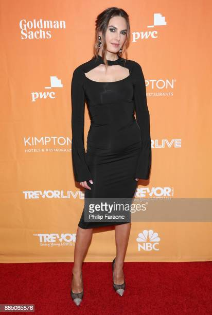 Elizabeth Chambers attends The Trevor Project's 2017 TrevorLIVE LA Gala at The Beverly Hilton Hotel on December 3 2017 in Beverly Hills California