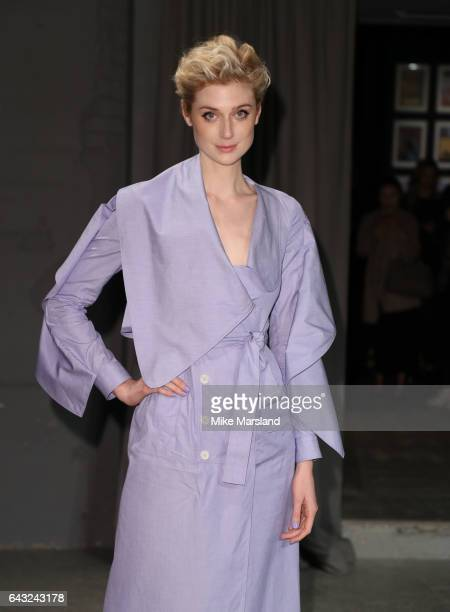 Elizabeth Debicki attends the Burberry show during the London Fashion Week February 2017 collections on February 20, 2017 in London, England.