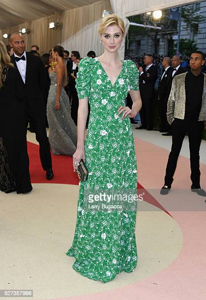 Elizabeth Debicki attends the 'Manus x Machina Fashion In An Age Of Technology' Costume Institute Gala at Metropolitan Museum of Art on May 2 2016 in...