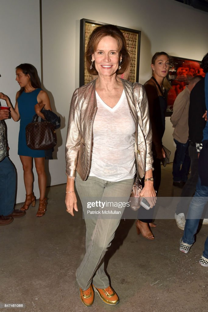 Elizabeth Fekai attends IV New York Gallery Grand Opening Exhibition on September 14, 2017 in New York City.