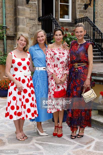 Elizabeth Funk wearing Bvlgari Serpenti Jewellery and B.zero1 Rock necklace, Alexandra Kamp wearing Bvlgari Diva Jewellery, princess Vanessa zu Sayn...