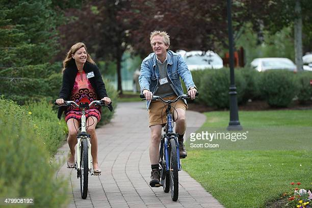 Elizabeth Hughes Eginton Chief Marketing Officer at Latham Watkins and Chris Davis attend the Allen Company Sun Valley Conference on July 8 2015 in...