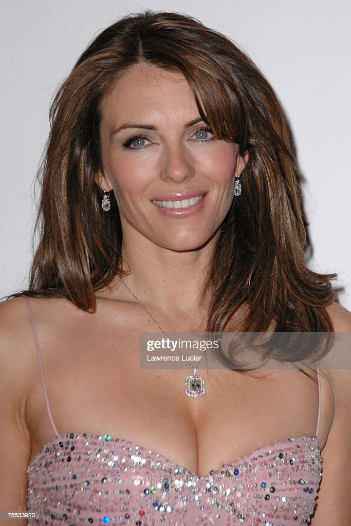 Elizabeth Hurley at the The Breast Cancer Research Foundation Presents 'The Very Hot Pink Party' - April 10, 2006 at Waldorf Astoria in New York, NY.