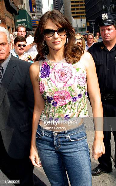 Elizabeth Hurley during Elizabeth Hurley Visits the 'Late Show with David Letterman' August 22 2002 at Ed Sullivan Theatre in New York City New York...