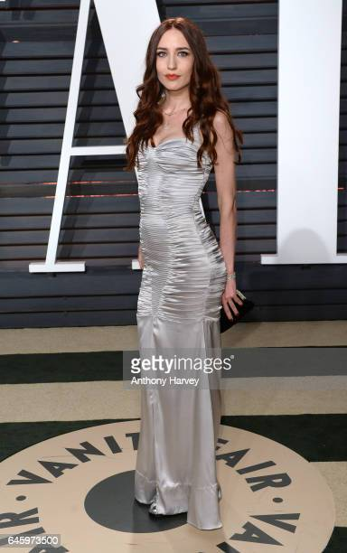 Elizabeth Jagger attends the 2017 Vanity Fair Oscar Party hosted by Graydon Carter at Wallis Annenberg Center for the Performing Arts on February 26...