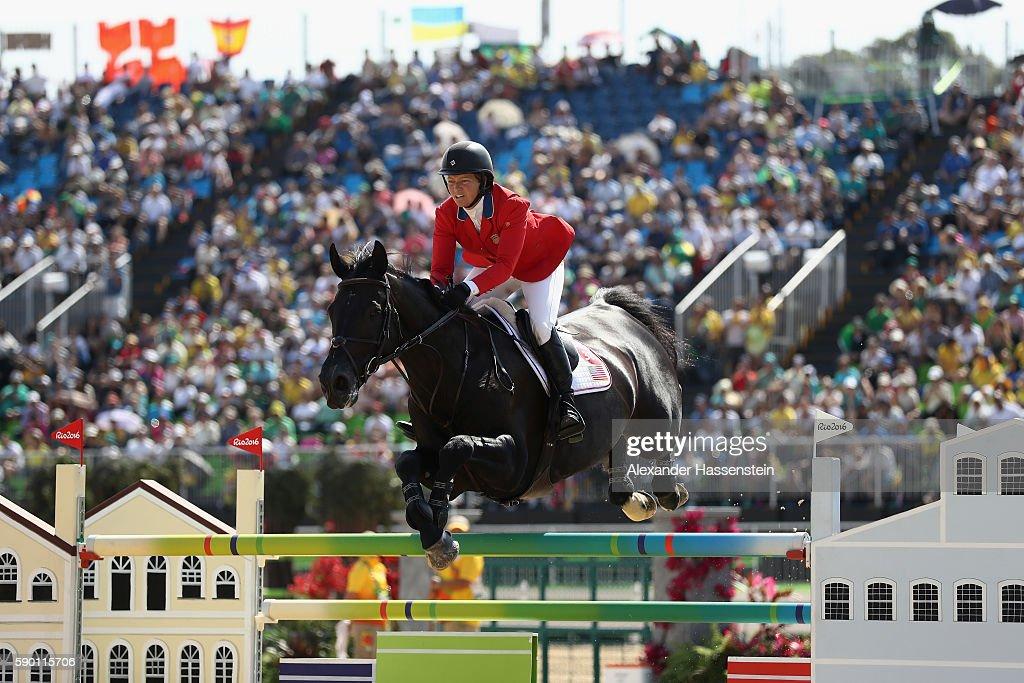 Equestrian - Olympics: Day 11 : News Photo