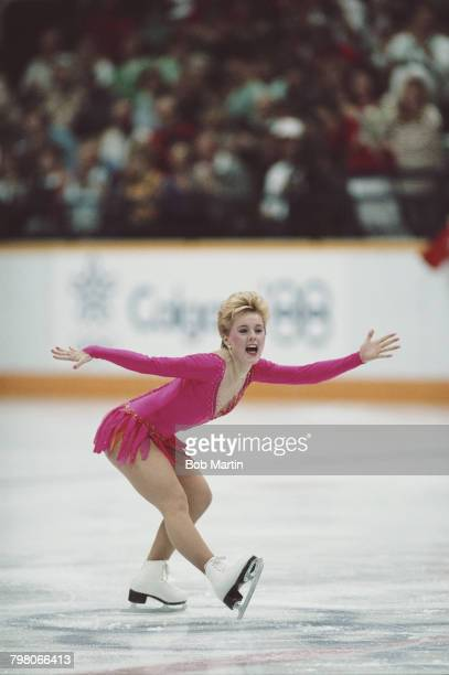 Elizabeth Manley of Canada skates in the Women's Figure Skating competition on 27 February 1988 during the XV Olympic Winter Games at the Olympic...