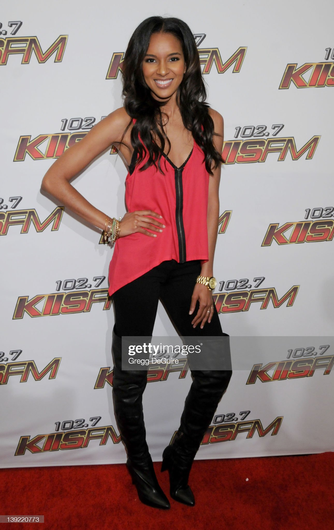 ¿Cuánto mide Elizabeth Mathis? - Real height Elizabeth-mathis-arrives-at-kiis-fms-wango-tango-2011-concert-at-on-picture-id139220773?s=2048x2048