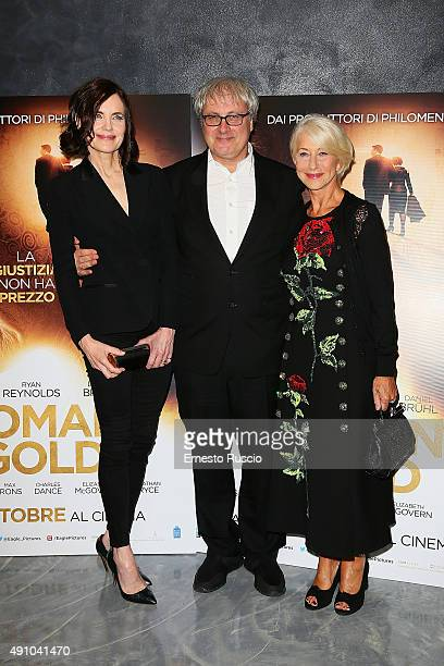 Elizabeth McGovern director Simon Curtis and Helen Mirren attend the 'Woman In Gold' premiere at Sala Giulio Cesare In Rome on October 2 2015 in Rome...