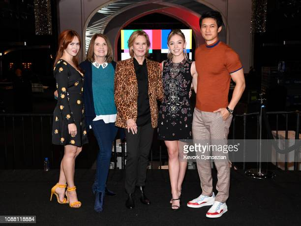 Elizabeth McLaughlin Kathy Connell JoBeth Williams Sydney Sweeney Harry Shum Jr pose during the 25th annual Screen Actors Guild Awards Cocktails With...