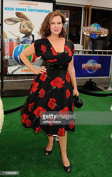 """Elizabeth Perkins arrives at the Los Angeles premiere of """"Hop"""" at Universal Studios Hollywood on March 27, 2011 in Universal City, California."""