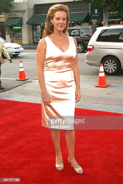 Elizabeth Perkins during 'Weeds' Season Two Premiere at Egyptian Theatre in Hollywood California United States