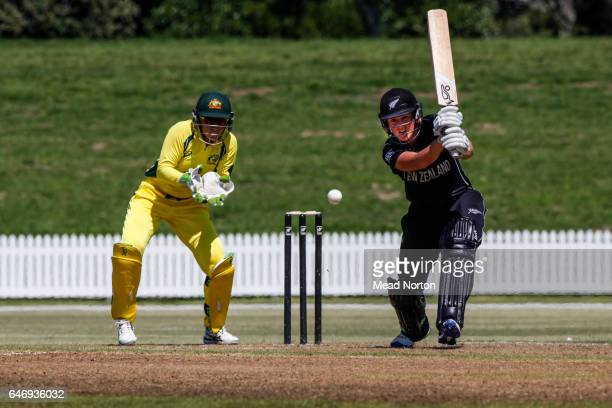 Elizabeth Perry batting during the Women's One Day International match between the New Zealand White Ferns and the Australia Southern Stars on March...