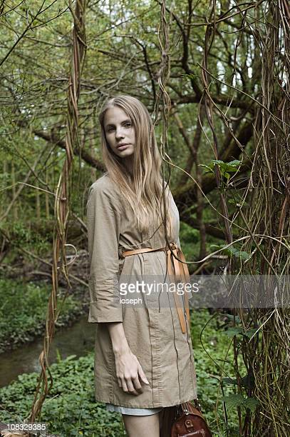 elizabeth - beige dress stock pictures, royalty-free photos & images