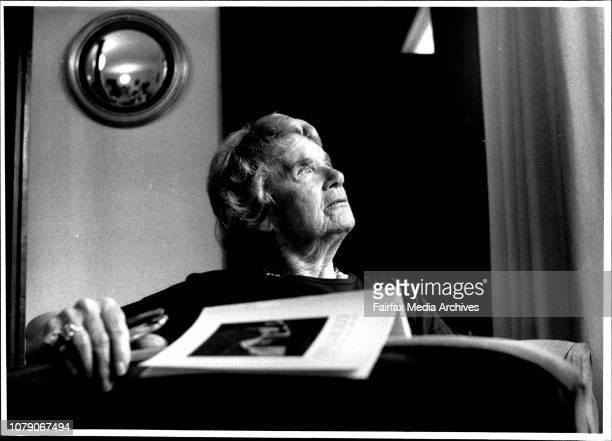 Elizabeth Riddell poet with her newly published book November 01 1989