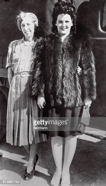 Elizabeth Short with her mother, Phoebe May Short. The mutilated body of Elizabeth was found in a vacant lot near a busy intersection in southwest...