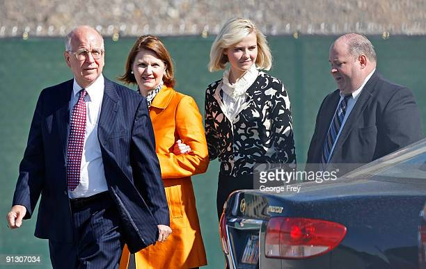Elizabeth Smart Mark Scharman of the Salt Lake City Police Department Louis Smart her mother and Richard Lambert of the US Attorneys office leave the...