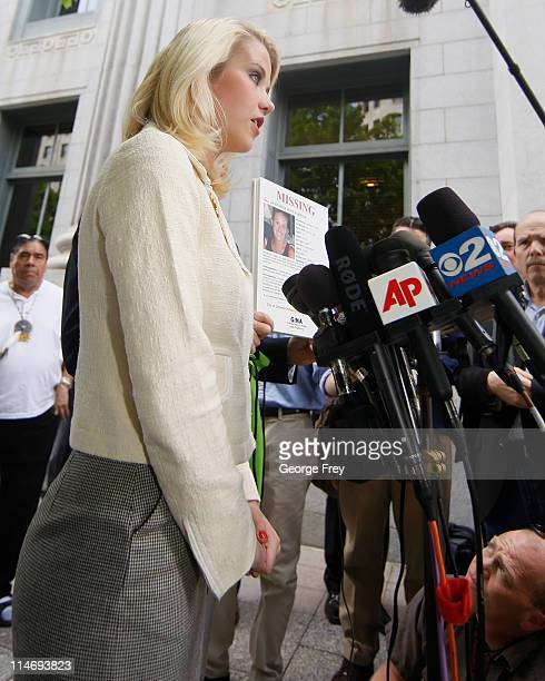 Elizabeth Smart talks about missing children to the press outside of federal court after the sentencing of Elizabeths kidnapper Brian David Mitchell...