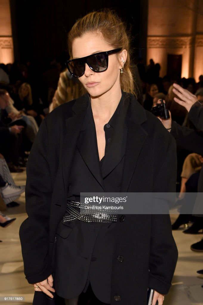 Elizabeth Sulcer attends the Oscar De La Renta fashion show during New York Fashion Week: The Shows at The Cunard Building on February 12, 2018 in New York City.