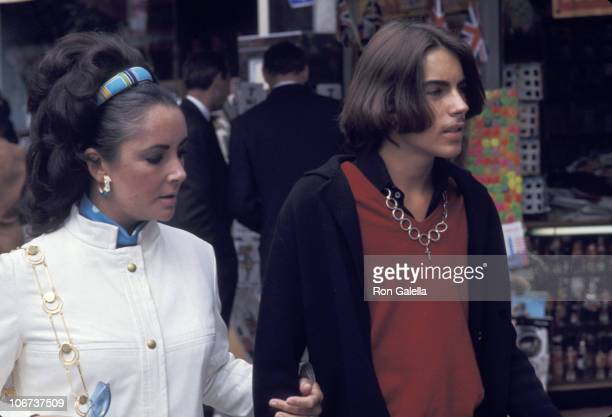 Elizabeth Taylor and Michael Wilding during Elizabeth Taylor and Michael Wilding and Richard Burton Sighting London September 1 1969 at Trader Vic's...