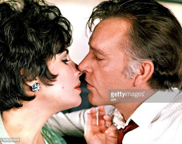 Elizabeth Taylor and Richard Burton in the film ''The Comedians'' directed by Peter Glenville in 1967