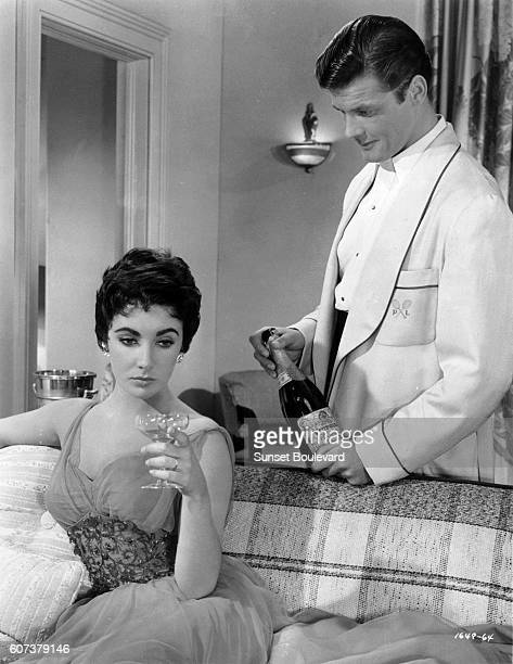 Elizabeth Taylor and Roger Moore in 'The Last Time I Saw Paris' by Richard Brooks