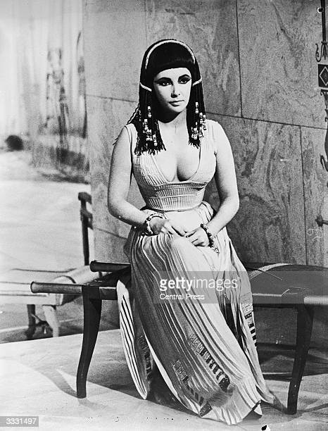 Elizabeth Taylor as Cleopatra in the 20th Century Fox production of Joseph L Mankiewicz's film 'Cleopatra'