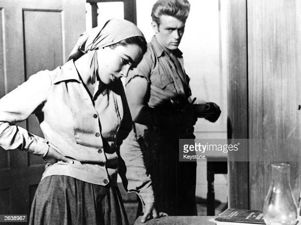 Elizabeth Taylor as Leslie Benedict and James Dean as Jett Rink in a scene from the Warner Brothers film 'Giant' adapted from the novel by Edna...