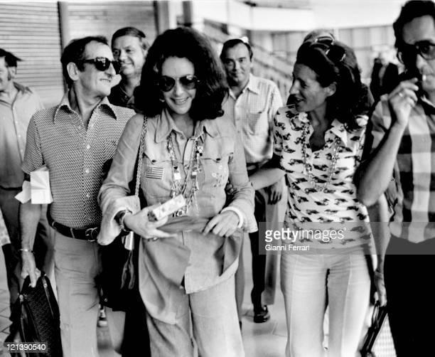 Elizabeth Taylor at the airport in San Sebastian 18th September 1973 San Sebastian Spain