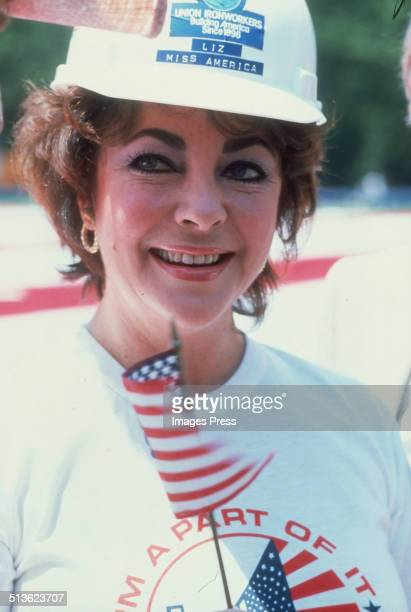 Elizabeth Taylor celebrates Flag Day on June 1 1980 in New York City
