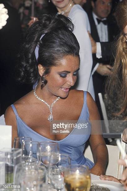 Elizabeth Taylor during 42nd Annual Academy Awards at Dorothy Chandler Pavilion in Los Angeles California United States