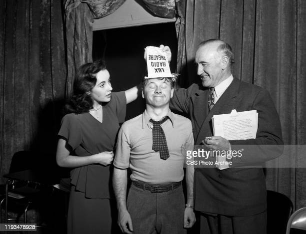 Elizabeth Taylor, Mickey Rooney and Donald Crisp reprise their film roles for the radio adaptation of the 1944 theatrical movie, National Velvet, on...
