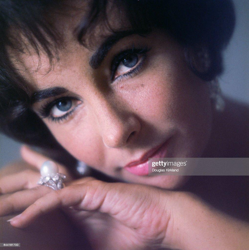 12. Elizabeth Taylor, actress, died 2011 - $8million