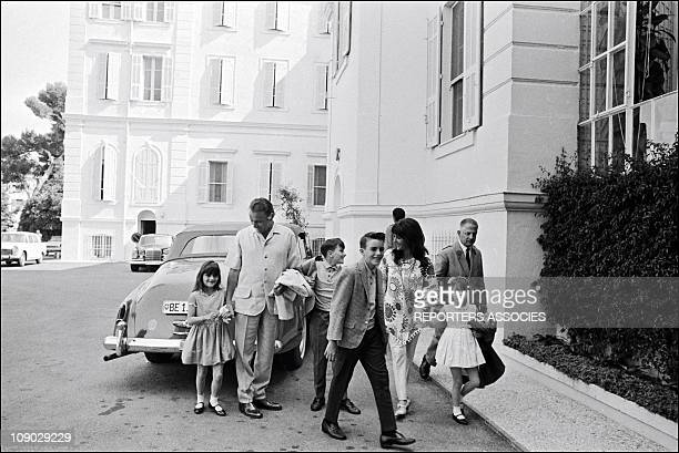 Elizabeth Taylor Richard Burton and their children Michael Christopher Elisabeth and Maria while on vacation on the French Riviera in 1965