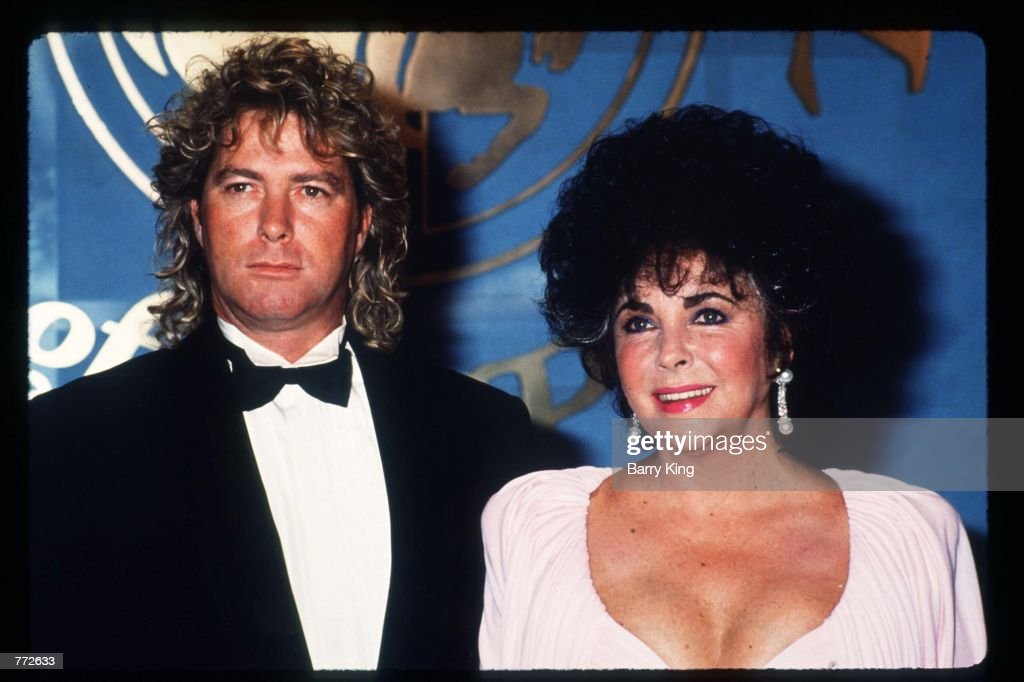 Elizabeth Taylor Attends The Carousel Of Hope Gala : News Photo