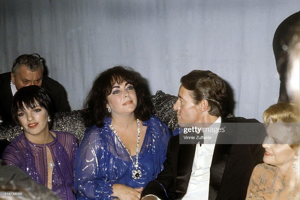 Star File Photo Agency Elizabeth Taylor Archive : News Photo