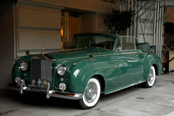 NY: Elizabeth Taylor's 1960 Rolls Royce Up For Action At The Pierre Hotel