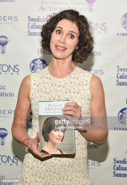 Elizabeth Vargas attends Authors Night 2017 At The East Hampton Library at The East Hampton Library on August 12 2017 in East Hampton New York