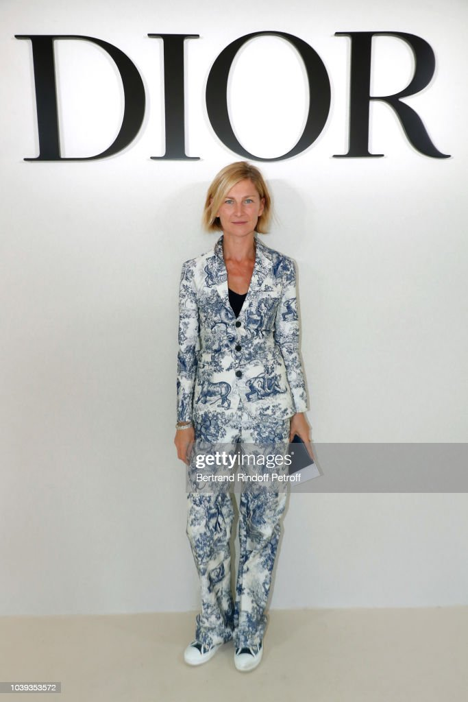 elizabeth-von-guttman-attends-the-christian-dior-show-as-part-of-the-picture-id1039353572