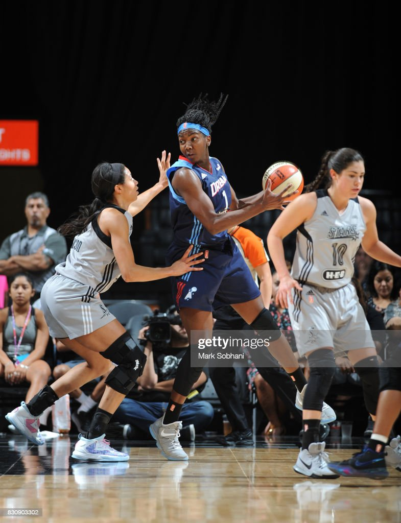 Elizabeth Williams #1 of the Atlanta Dream handles the ball on August 12, 2017 at the AT&T Center in San Antonio, Texas.