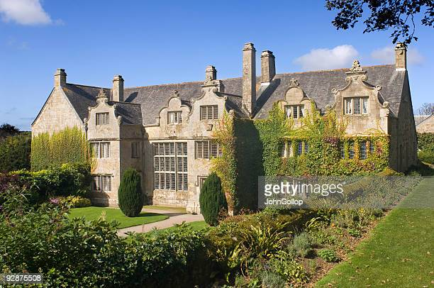elizabethan mansion - elizabethan style stock photos and pictures