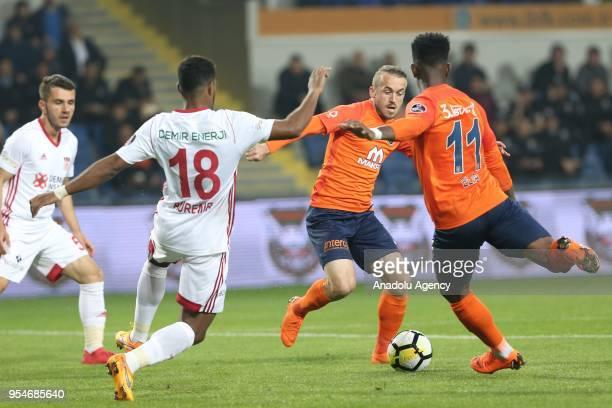 Eljero Elia of Medipol Basaksehir in action against Dos Santos of Demir Grup Sivasspor during Turkish Super Lig soccer match between Medipol...