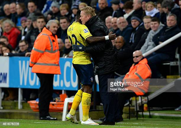 Eljero Elia of Southampton celebrates with Ronald Koeman manager of Southampton after scoring the opening goal during the Barclays Premier League...
