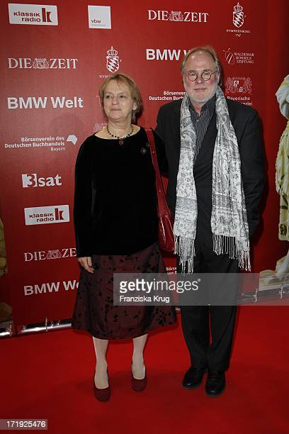 Elke Heidenreich Und Tom Krausz Bei Der Verleihung Des Internationalen Buchpreises Corine In München