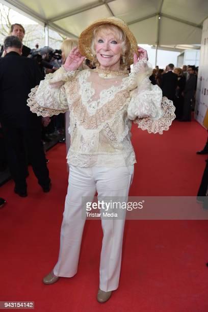Elke Sommer attends the 'Goldene Sonne 2018' Award by SonnenklarTV on April 7 2018 in Kalkar Germany