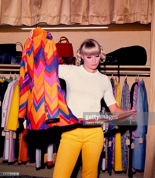 Elke Sommer shopping in Madrid Madrid, Spain. .