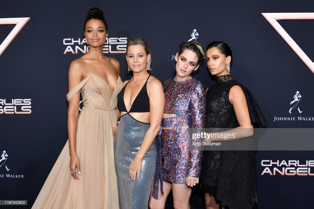 "Premiere Of Columbia Pictures' ""Charlie's Angels"" - Red Carpet : News Photo"