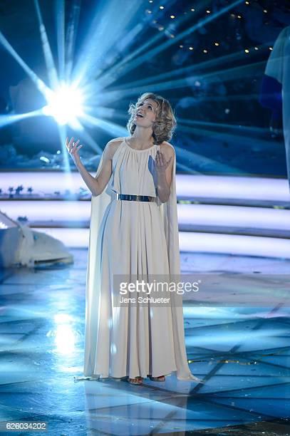 Ella Endlich is seen on stage during the tv show 'Das Adventsfest der 100000 Lichter' on November 26 2016 in Suhl Germany