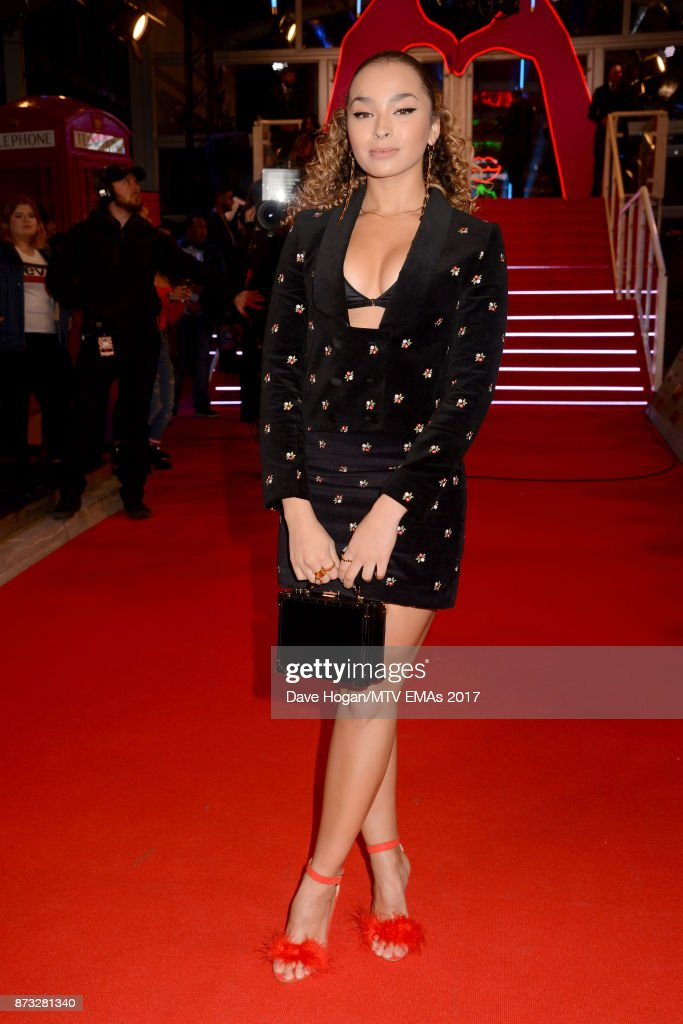 Ella Eyre attends the MTV EMAs 2017 held at The SSE Arena, Wembley on November 12, 2017 in London, England.